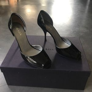 Prada Never Worn! Black patent Vernice Swing Nero